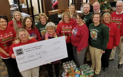SNB Donates to the Wayne Food Pantry